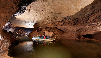 Lost-River-Cave-Boat-listing-pic